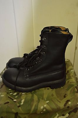 British Army Combat Assault Black Leather Mens Military Cadet Boots UK Size 8 M