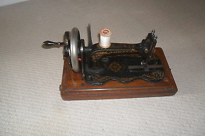 A Early Singer Serpentine Shaped Sewing Machine Nice Decoration with Case