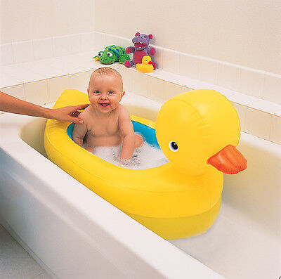 Munchkin Hot Inflatable Baby Bath Safety Duck Tub (6-24 months)