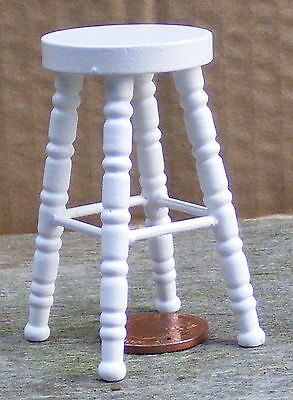 1:12 Scale White Painted Tall Stool Dolls House Miniature Furniture Accessory sa