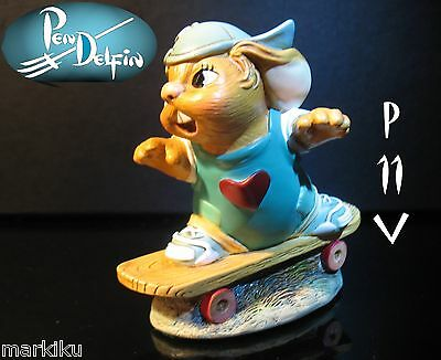 NEW Pendelfin Twister rad skateboarder figurine rabbit Bunny w/ Box