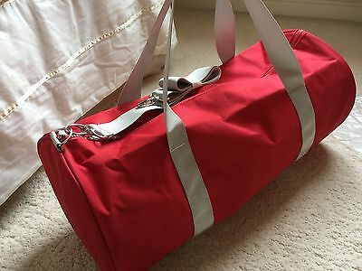 Hugo Boss Parfums, Womens Red Gym,Sports Bag, Travel, Weekend Holdall, NEW