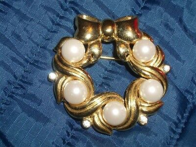 Vintage Christmas Gold and Pearl Wreath