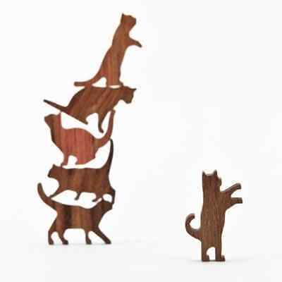 COMMA Wooden Cat Pile - Set #2 Blue Threaded Pouch, 6 Kittens