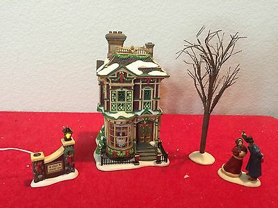 Dept 56 VICTORIAN FAMILY CHRISTMAS HOUSE Dickens Village w/ Box