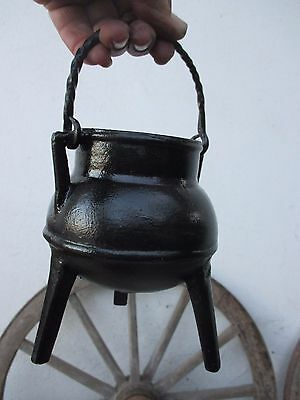 Vintage Beautiful Cast Iron Strong Cooking Gypsy Pot Cauldron Ready To Cook