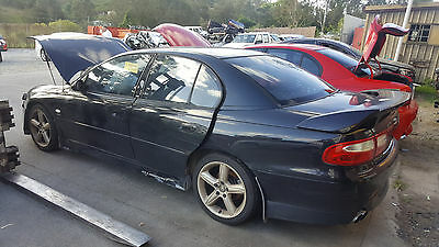 HOLDEN HSV COMMODORE Vx CLUBSPORT GEN 3 LS1 V8 5.7 6 SPD MANUAL. WHEEL NUT