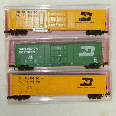 3 x Roundhouse N Scale Burlington Northern Freight Cars