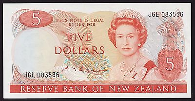 New Zealand Five Dollar $5 Banknote S T Russell 1985 P-171b