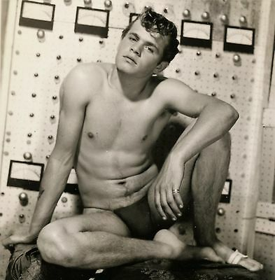 Vintage Athletic Model Guild Big Bulge Smooth Nude Young Man Photo Gay 13142