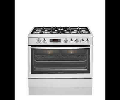 Westinghouse 90cm Dual Fuel Stainless Steel Freestanding Oven - Model: WFE914SA