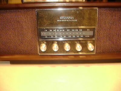 Vintage Antique Sylvania Solid State AM/FM Stereo Table Radio