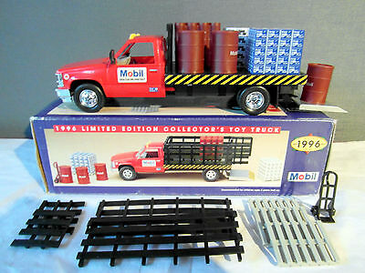 Mobil 1996 Limited Edition Collector's Toy Truck 1:24 Scale