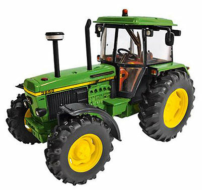 BRITAINS JOHN DEERE 3650 TRACTOR  1/32 SCALE DIECAST MODEL NEW & BOXED No 42904