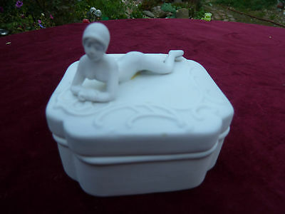 Amusing Naughty Art Deco Parian Box Naked Nude Lady With Cheeky Secret Wee : o