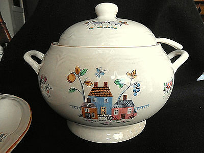 International HEARTLAND Tureen & Ladle