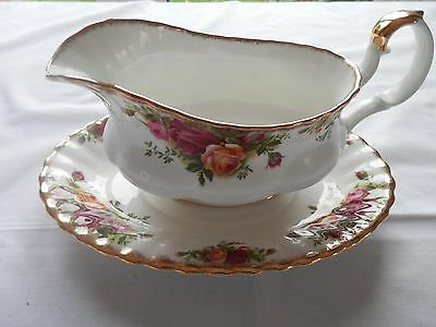 Gorgeous Royal Albert Old Country Roses Gravy Boat + Drip Tray Saucer