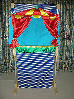 Puppet theatre with four puppets