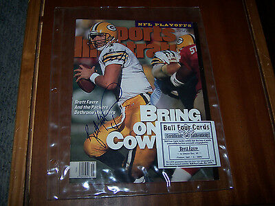 Brett Favre Autographed Auto Sports Illustrated with COA Green Bay Packers HOF