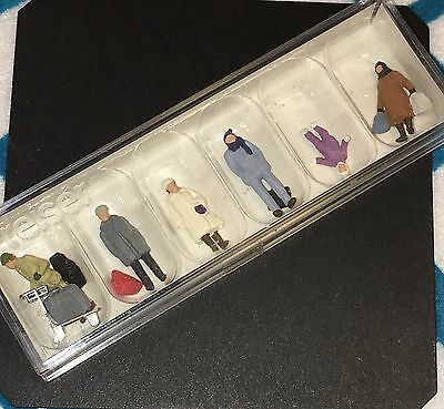 Preiser HO Scale 1:87 People Figures Model Train 14038 Travelers Winter Clothes