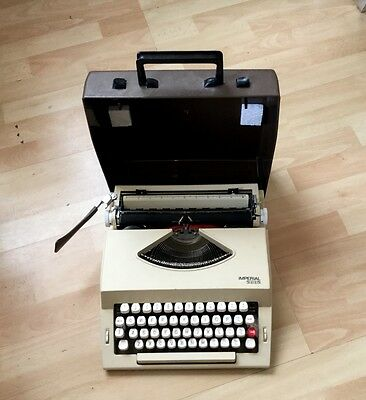 Vintage Style Imperial 2002 Portable Typewriter With Hard Carry Case