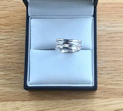 Silver Size M Wave Ring.