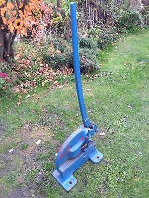 Hand Guillotine Heavy Duty Seven And Half Inch Blade Very Good Condition