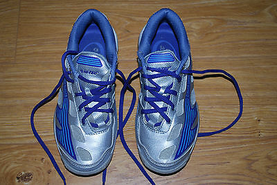 hi-tec Ladies Infinity Squash shoes - size 4.5