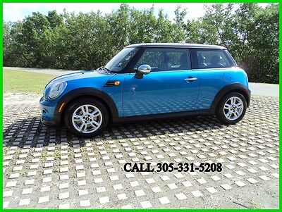 2011 Mini Cooper Base 2dr Hatchback 2011 Mini Cooper Carfax certified Excellent condition Spotless Florida beauty