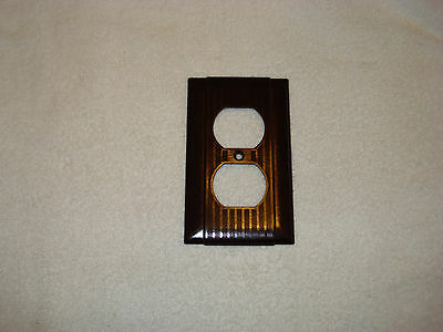 VINTAGE P&S UNILINE Brown BAKELITE  RIBBED OUTLET RECEPTACLE PLATE COVER