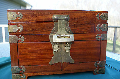 VINTAGE?? CHINESE ASIAN  STYLE WOODEN JEWELLERY BOX With BRASS PULLS/ LOCK CHEST