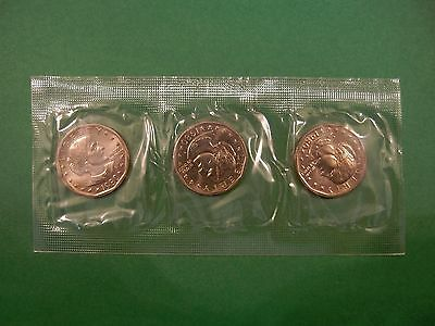 Susan B Anthony Uncirculated Dollars – Souvenir Set: 1980 (3  coins in one set.)