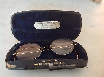 ANTIQUE 12 Ct. GOLD RIMLESS SPECTACLES IN ORIGINAL Metal CASE - Named Optician