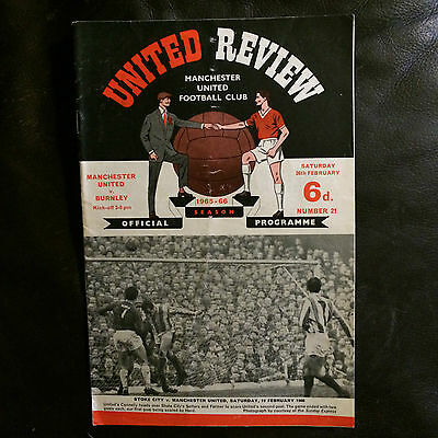 MANCHESTER UNITED v BURNLEY 1965-66 FOOTBALL LEAGUE DIVISION 1