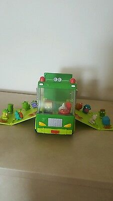 Trash pack Garbage Truck with 18 trashies...