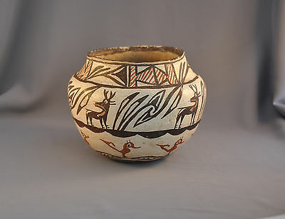 GREAT OLD CLASSIC TRADITIONAL ZUNI HEARTLINE DEER POT - EARLY 1900s