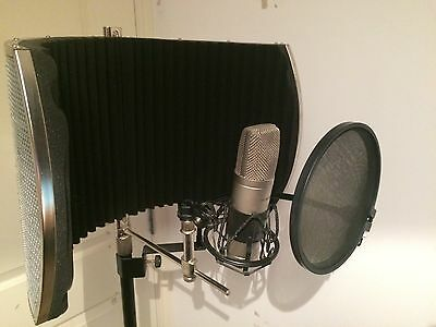 RVb5 Portable Studio Vocal Booth with stand and M-Audio NOVA Condenser Mic