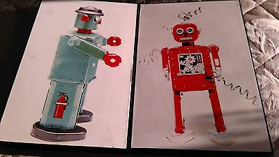 Two Robot Pictures