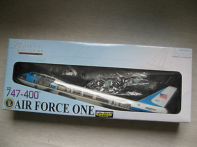 Dragon 47010 747-400 Air Force One 1:144 neu Kombiversand möglich