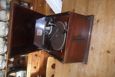 A  working HMV 103 wind up gramophone phonograph