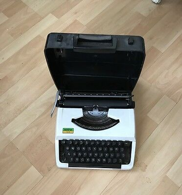 Vintage Portable Brother 100 Typewriter With  Black Hard Carry Case