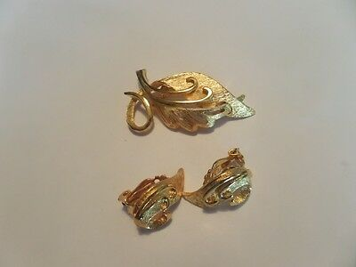 Vintage Gold Tone Leaf Brooch and Clip Earrings