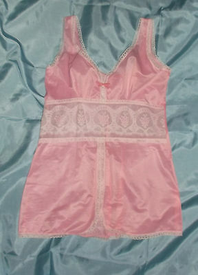 Soft Pink Lacy Petticoat Camisole Chemise Slip 70's Vintage Unworn s.S