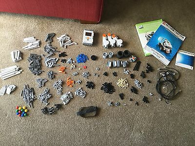 Used Lego NXT Mindstorms Robot, with user discovery user booklet