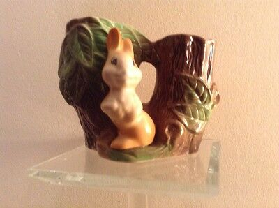 No. 25 vase with Rabbit. Withernsea Eastgate Fauna