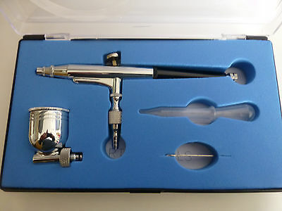 Airbrush in a plastic case  (unwanted gift)