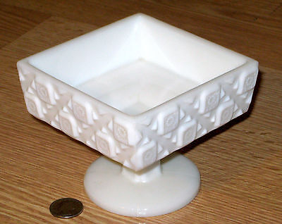 WESTMORELAND white milk glass OLD QUILT open pedestal candy dish compote #500