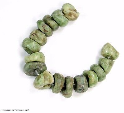 64) Lot of 16 Pre Columbian Mezcala Spotted Jaguar Jadeite Green Stone Beads