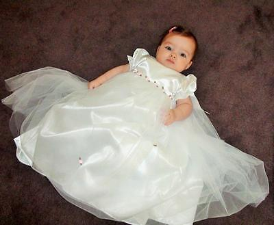 Stunning Baby Girls White Christening Baptism Gown & Bonnet With Pink Rosebuds