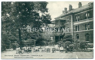 BETHNAL GREEN Victoria Park HOSPITAL Patients in Grounds LONDON E9